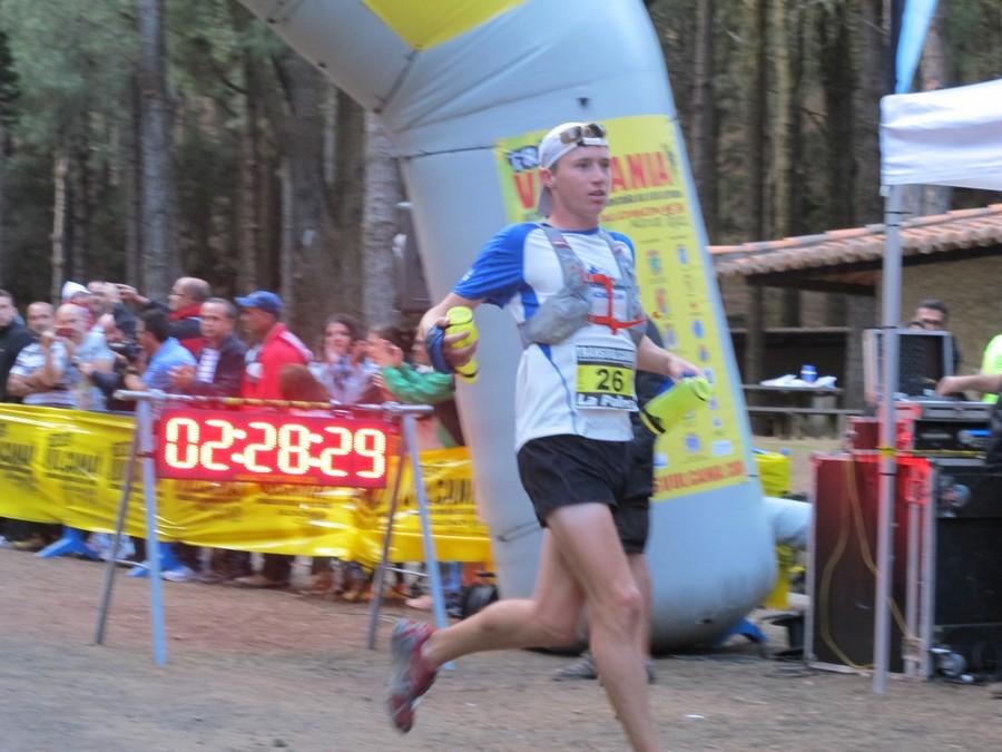 Llegada a meta del ganador de la Transvulcania 2012