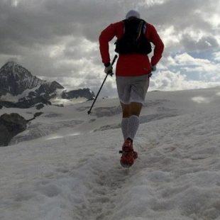 Iker Karrera durante su reto de la Ruta Alta Chamonix a Zermatt