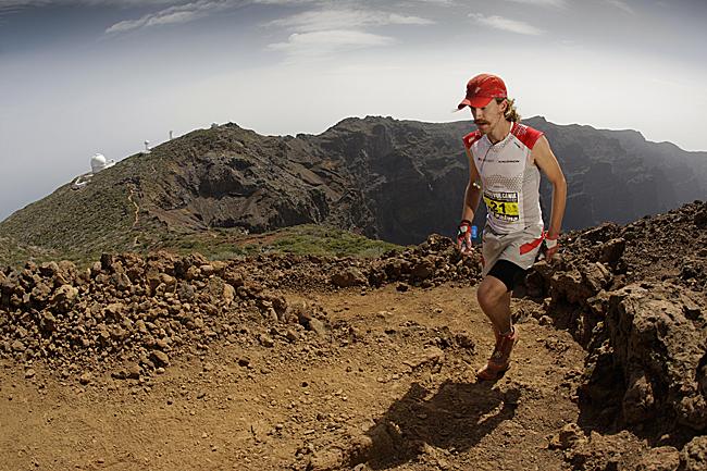 Rickey Gates corriendo la Ultramaratón de montaña Transvulcania 2012