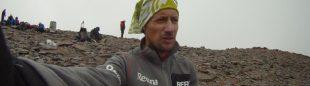 Carlos Sá en la cima del Aconcagua días antes de su record