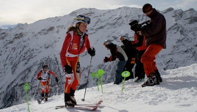 Mireia Miró seguida de Marta Riba en el Campeonato del Mundo de esquí de montaña 2013