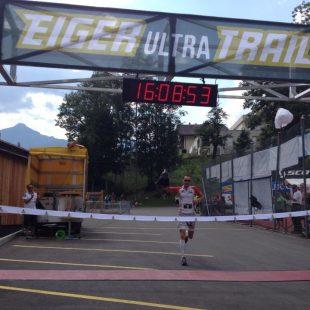 Iker Karrera al vencer el Eiger Ultra trail