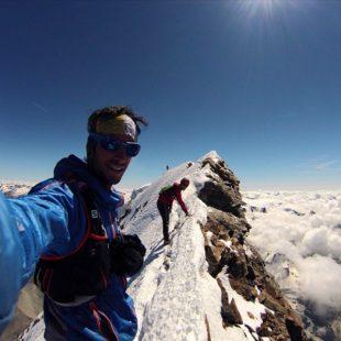 Kilian Jornet en un momento de su ascensión record  al Cervino (2013). Summits of my life.
