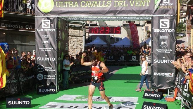 Luis Alberto Hernando celebra su victoria en la Cavalls del Vent 2013