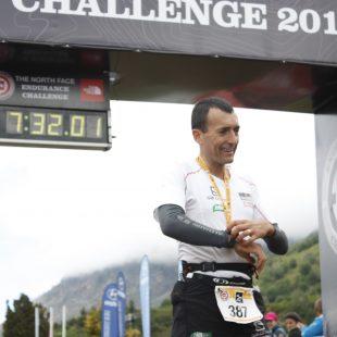 Miguel Heras entra en meta como ganador de la TNF Endurance Challenge Argentina
