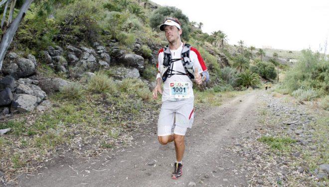 Ryan Sandes vencedor en Advanced (83 kms) en un momento de la Transgrancanaria 2013.