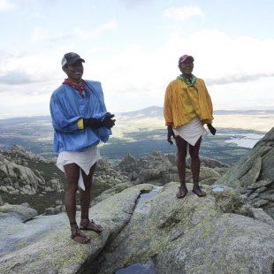 Silvino Cubesare y Arnulfo Quimare en la Pedriza de Manzanares (2014)