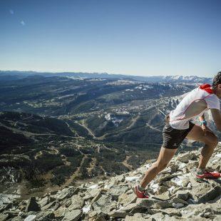 Kilian Jornet llega a meta del Kilómetro Verical de Limone proclamándose Campeón del Mundo.