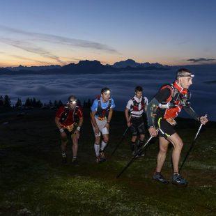 Corredores en la cima del Semnoz en el Campeonato Mundo Ultra Trail celebrado en Annecy 2015.