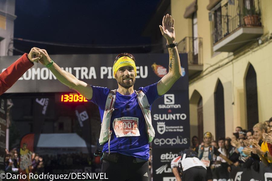 Luis Alberto llega a meta Ultra Pirineu 2015 ganador Copa Mundo Ultrasky