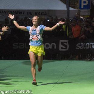 Emelie Forsberg llega a meta Ultra Pirineu 2015 ganadora Ultra Pirineu 2015