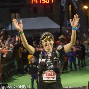 Nuria Picas llega a meta Ultra Pirineu 2015. Quedó tercera.