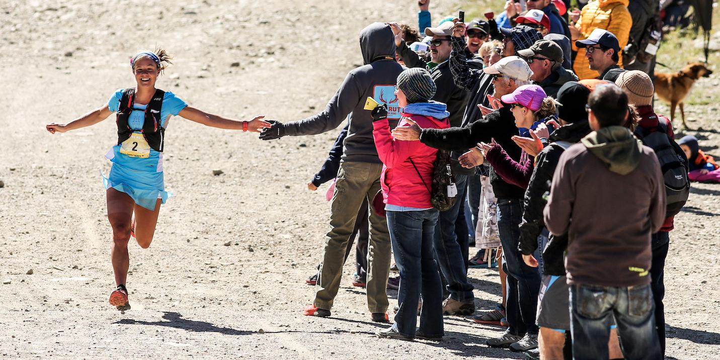 Emelie Forsberg llegando a la meta de The Rut 2015