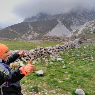 Anabel Merino feliz al terminar El Anillo de Picos de Europa en solitario en 29 horas y 8 minutos (1 y 2 octubre 2015).