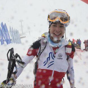 Oriol Cardona gana la medalla de oro en categoría Junior. Campeonatos Europa Esquí de Montaña 2014