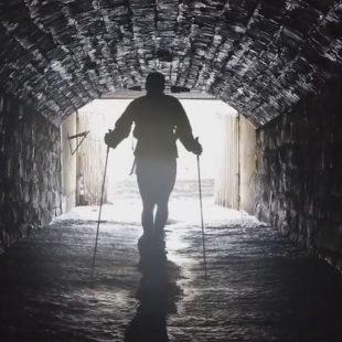 Túnel que forma parte del recorrido de la Barkley Marathons