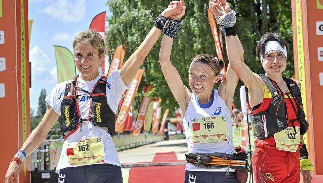 Podio femenino Campeonato del Mundo de Ultra Trail. Nathalie Mauclier  (1ª