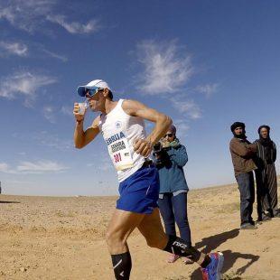 Avituallamiento en el Sahara Marathon 2016