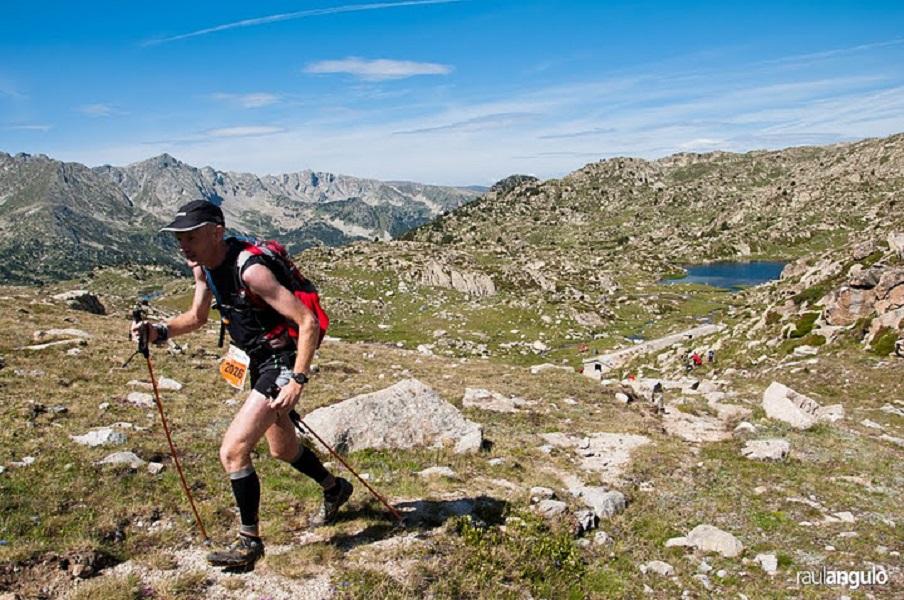 Participante avanza en el exigente trazado de la Ronda dels Cims de la Andorra Ultra Trail 2015
