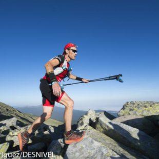 Remigio Queral ganador del Gran Trail Peñalara 2016 en la arista de Claveles