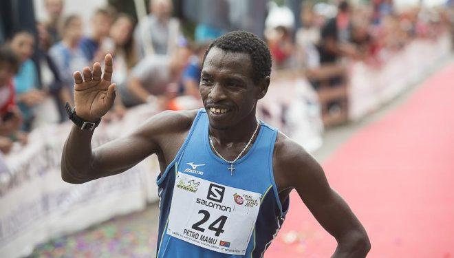 El eritreo Petro Mamo ganador del Skyrace de Limone 2014