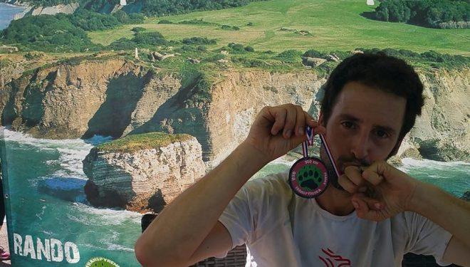 Joel Jaile en la meta de la Transpyrenea 2016