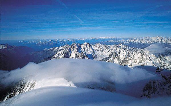 Loa Alpes desde la cima del Mont Blanc.Foto: Sebastián Álvaro...