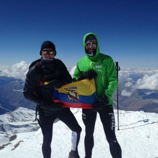 Karl Egloff (izq) en la cima del Elbrus