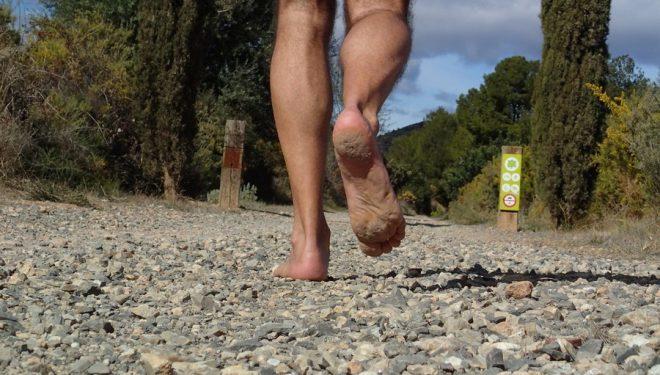 """autor de """"La aventura de correr descalzo"""""""