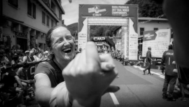 Laia Cañes tras cruzar la meta del Campeonato del Mundo de Trail 2017