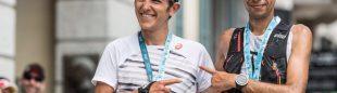 Xavier Thévenard y Crístofer Clemente en la meta de la prueba de 80km del Maratón del Mont-Blanc