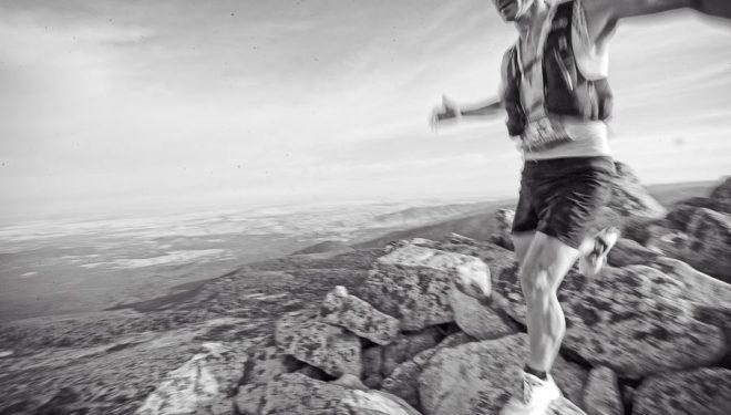 Agustín Luján ganador del Gran Trail Peñalara 2017 en la cresta de Claveles