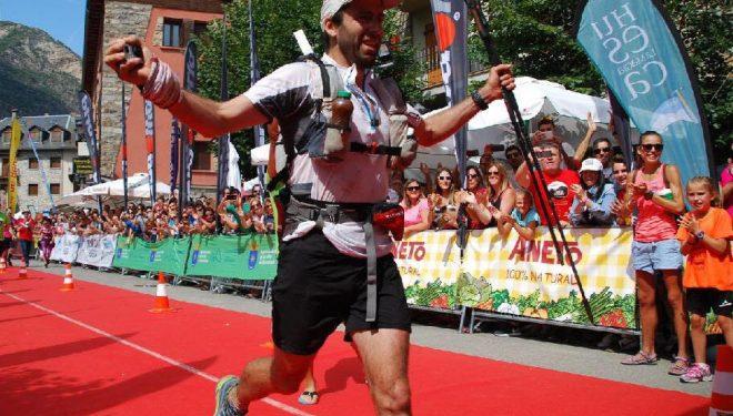 Frederic Laureau entra en primer lugar en la meta del Gran Trail Aneto-Posets 2017