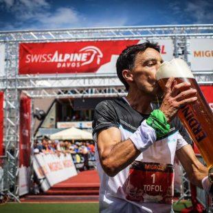 Tòfol Castanyer a la llegada a la meta de la Swiss Alpine Marathon 2017