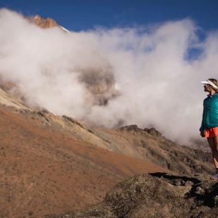 Fernanda Maciel entrenando en Tanzania para su récord del Kilimajaro