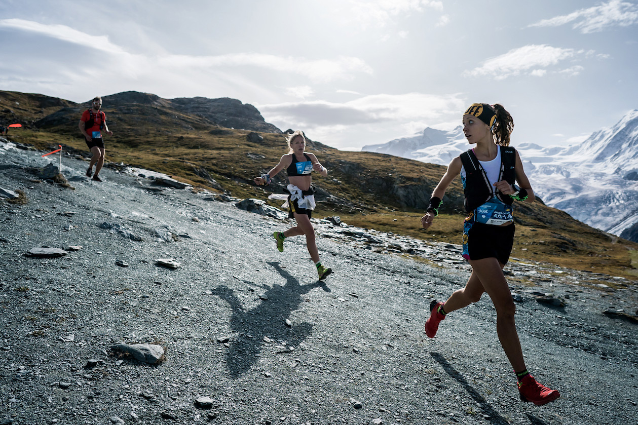 Sheila Avilés mira hacia detrás en la Matterhorn Ultraks 46K