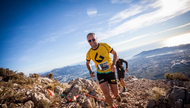 Pablo Criado tras coronar el Puig Campana. Nada más arrancar lo primero que haces es el KV 1.408 msnm