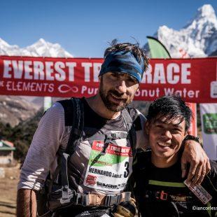Luis Alberto Hernando y Suman Kulung tras la quinta etapa de la Everest Trail Race 2017