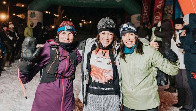 Podio femenino del Snow Running Sierra Nevada 2018, Campeonato de España: Núria Domínguez (izda), Alba Reguillo y Gemma Arenas