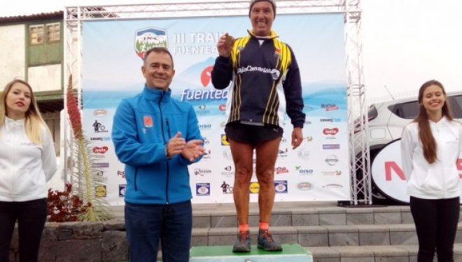 Mladen Tomasic en el podio del Trail Vilaflor 2017, en el que se proclamó campeón de España Master 60