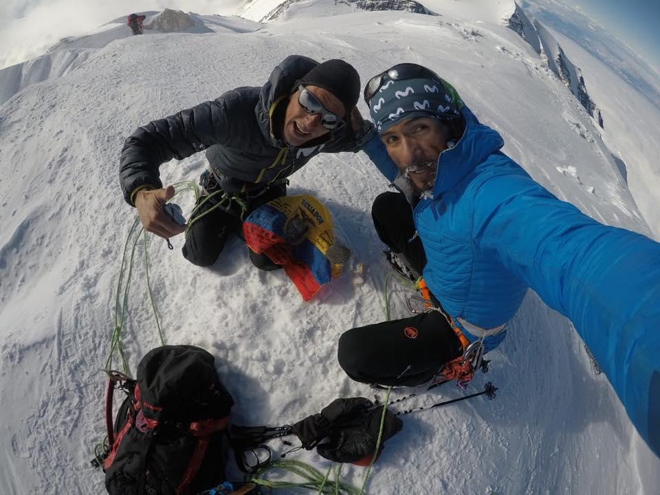 Karl Egloff y Nicolás Miranda en la cima del Denali, unos días antes de su intento de récord