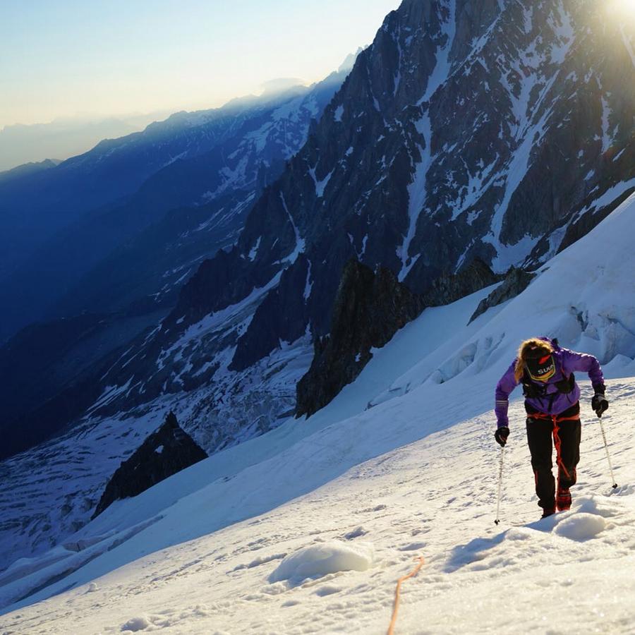 Emelie Forsberg en su récord al Mont Blanc en junio de 2018