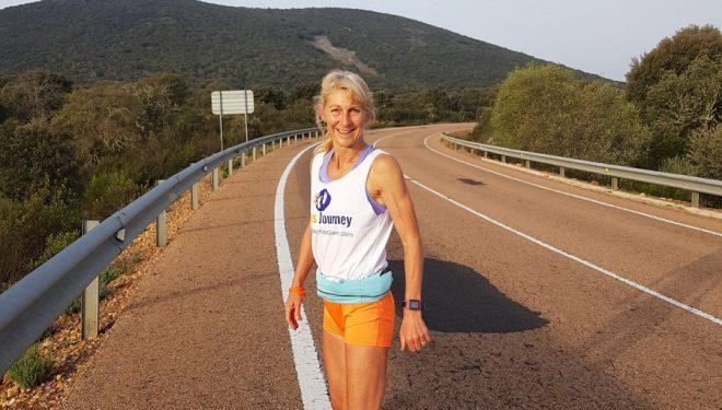 Julia Chi Taylor durante su proyecto 'Barefoot Across Spain'