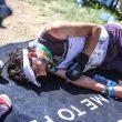 Aritz Egea, desplomado en la meta de la Marathon du Mont-Blanc 2018, en la que fue quinto. Foto publicada por él mismo en redes sociales.