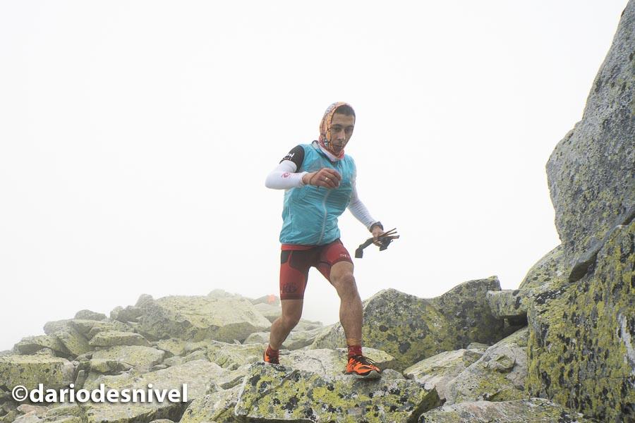 David Lutzardo cerca de la cima de Peñalara en el GTP 2018