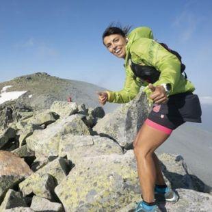 Gema Arenas ganadora del Gran Trail Peñalara 2018 cerca de la cima de Peñalara.