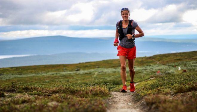 Emelie Forsberg en su récord en el sendero Kungsleden