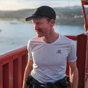 Rickey Gates en el Golden Gate Bridge durante su reto #EverySingleStreet