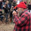 Lazarus Lake se enciende el cigarrillo que da el arranque a Barkley Marathons 2019