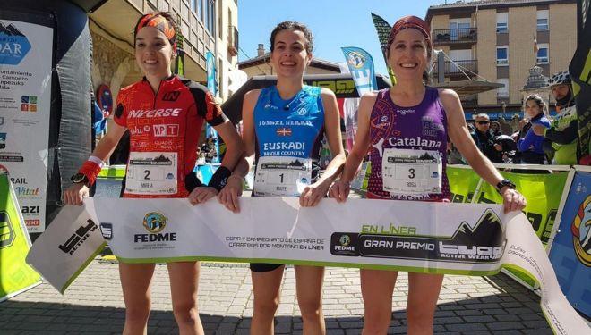 Podio femenino de la Kanpezu Ioar 2019: Mireia Pons (izda), Maite Etxerrazeta y Rosa Navarro